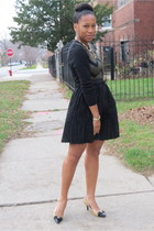 black f21 sweater - black pleated French Connection skirt