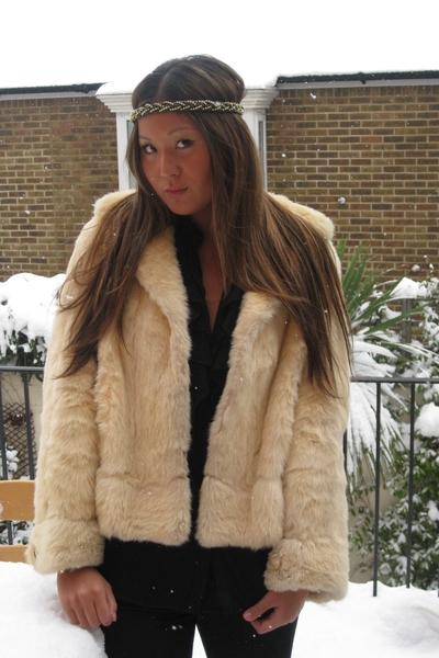 vintage coat - Topshop accessories - Zara blouse - Topshop jeans