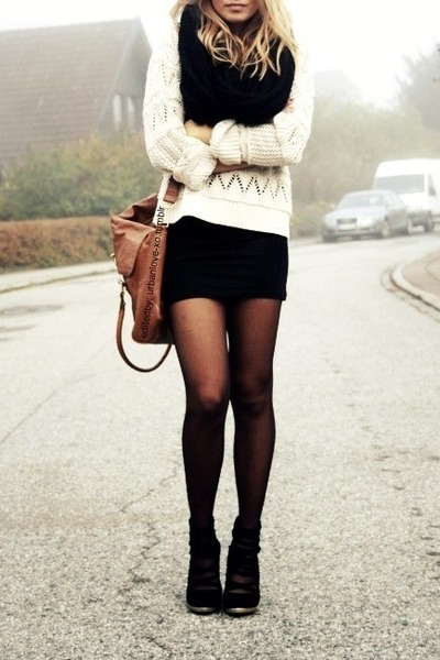 black Pull & Bear skirt