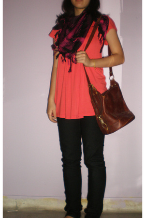 top - jeans - scarf - purse - shoes