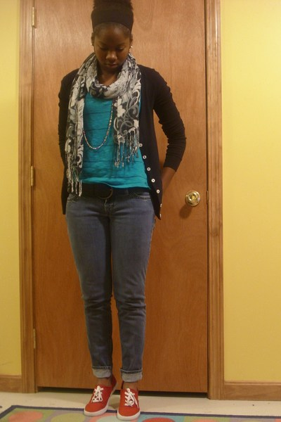Old Navy sweater - Forever21 scarf - Marshalls shirt - Steve and Barrys belt - f