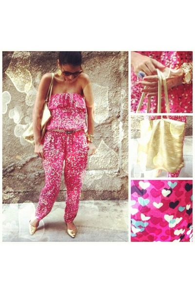 hot pink hearts print jumper - gold bag - navy ring - gold flats