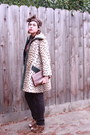 Brown-shoes-sportstowne-coat-jeans-brown-scarf