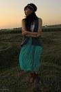 Brown-leather-boots-aquamarine-chiffon-skirt