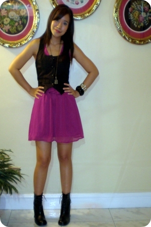 forever 21 dress - Gay Giano Hong Kong boots - Anna Sui mini mirror necklace