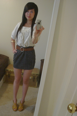 top - belt - bracelet - American Eagle shoes - skirt