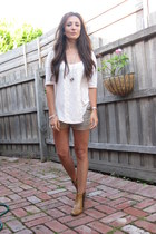 tawny ankle boots - camel calvin klein shorts - silver 5 ring necklace - cream o