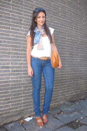 blue Leethal scarf - beige Indigo top - blue lee riders jeans - orange Tilkah pu