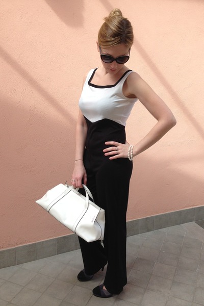 Milano style dress - leather Krizia bag - Fendi sunglasses - D&B heels