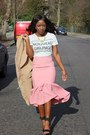 Light-pink-asoscom-skirt-white-zara-t-shirt-black-river-island-heels