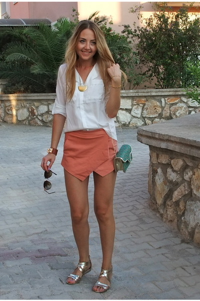 pink wrap Sheinside shorts - white Bannggod shirt