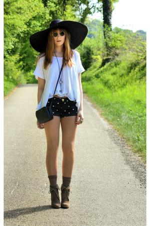 Zara hat - pieces bag - Zara shorts - Zara top - vintage glasses