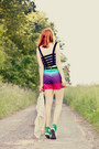 Converse-shoes-motelrocks-shorts-motelrocks-top-chicwish-cardigan