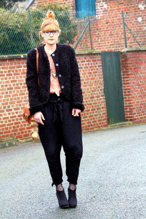 vintage coat - Zara pants - H&amp;M belt - Zara shirt
