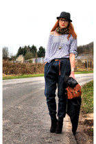 H&M shirt - H&M scarf - Pimkie bag - H&M wedges - Zara pants