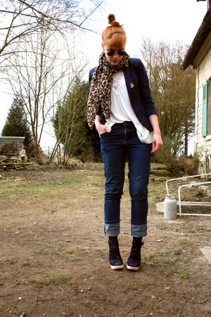 Osmose shoes - Cheap Monday jeans - H&M scarf - H&M t-shirt