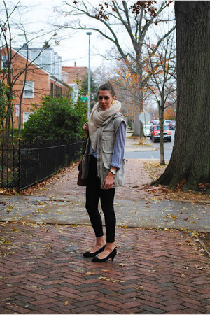 cotton utility Gap vest - liquid Ebay leggings - cashmere Nordstrom scarf