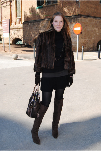 vintage coat - Nine West boots - Zara sweater - Michael Kors bag - Zara skirt