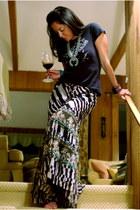 Motif 56 bracelet - Diane Von Furstenberg skirt