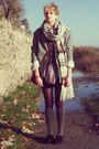 Off-white-knitted-h-m-scarf-heather-gray-houndstooth-secondhand-coat