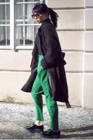 black weekday coat - green H&M pants - black vagabond flats