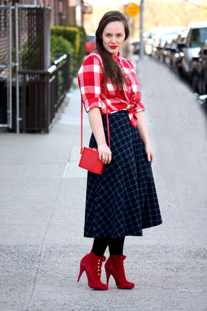 red checkered madewell shirt - ruby red suede Steve Madden boots
