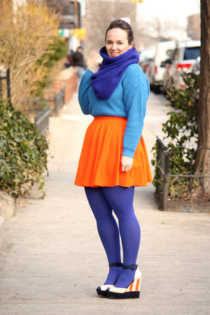 blue HUE tights - blue wool blend J Crew scarf