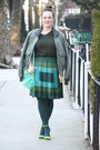 Forest-green-jacket-dark-green-husbands-sweater-teal-hue-tights
