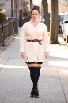 ivory ribbed Topshop sweater - black HUE tights - brown husbands belt