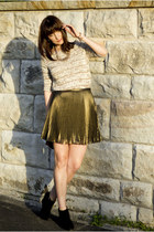 gold pleated skirt Thurley skirt - black Witchery boots