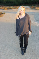 gray sweater - black studded skinnys pants