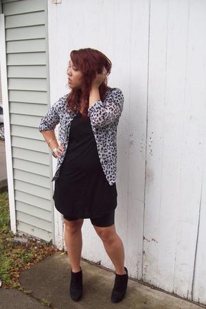Goodwill blouse - forever 21 dress - Ebay leggings - Ebay boots