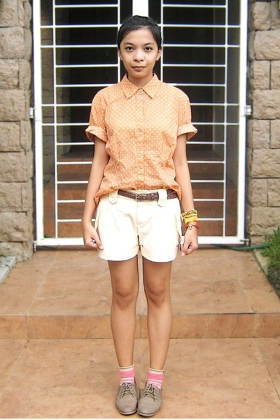 light orange polka dot top - brogue shoes - light yellow shorts - stripe socks
