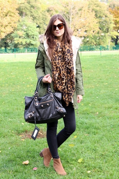 olive green parka asos jacket - camel Pennyblack boots