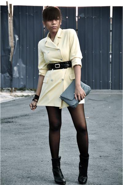 Yellow-vintage-blazer-blue-mango-purse-black-diy-bracelet-black-guess-belt_400
