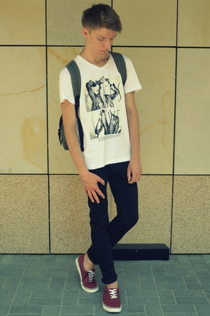 H&M shoes - H&M jeans - c&a bag - DSTREET t-shirt