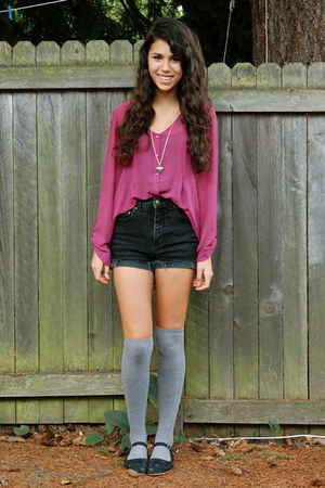 pink flowy pins and needles blouse - black high-waisted style&co shorts