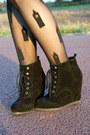 Black-big-ben-hery-holland-tights-black-dolce-vita-boots