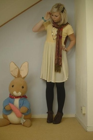 vintage dress - from my mom scarf - H&amp;M tights - Miss L-fire shoes - vintage nec