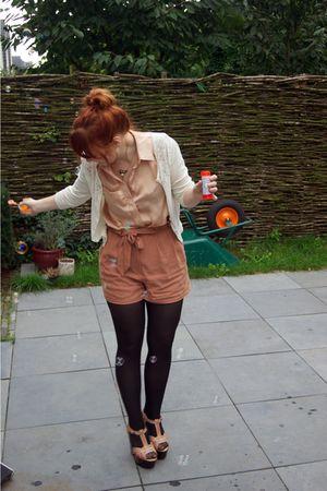 white H&M cardigan - beige Dahlia blouse - brown Topshop shorts - beige Topshop