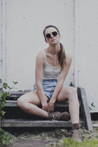 denim shorts diy shorts - lace H&M top - choker Sportsgirl necklace