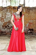 red Miss Grey dress - dark brown BLANCO bag