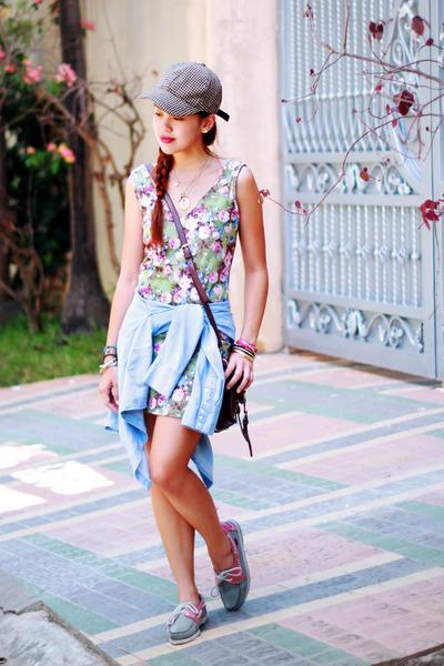 olive green floral Nava dress - bubble gum docksides Sebago flats