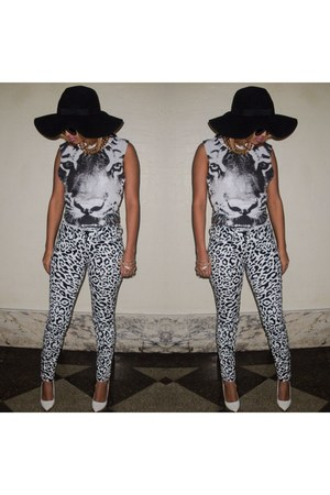 black Kardashian Kollection jeans - black H&M hat - ivory Target top