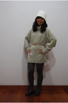 Secondhand sweater - hat - tights - shoes