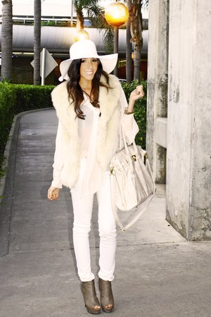 wool American Apparel hat - peach chiffon H&amp;M blouse - cream fur Forever 21 vest
