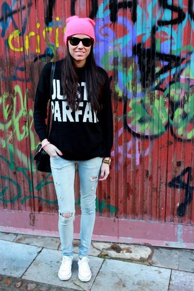 Converse shoes - Bershka jeans - H&M hat - Zara jumper