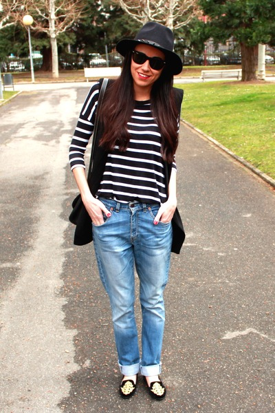 Zara hat - Levis jeans - Zara shirt - Zara vest