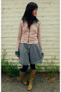 Light-pink-express-jacket-dark-khaki-faux-leather-forever-young-boots