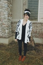 white aztec Chicwish sweater - black Roxy sweater - black Forever 21 leggings